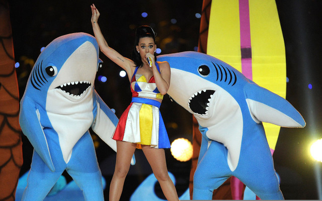 (Video) Hilarious: 'Left Shark' stars at Super Bowl XLIX with nightmare dance routine