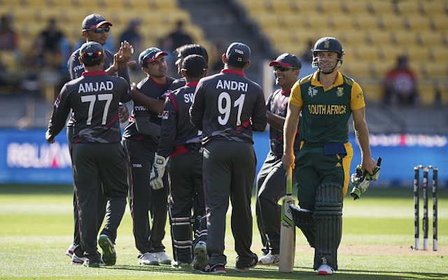 (Video) Cricket World Cup: He's human! South Africa star AB de Villiers caught on 99!
