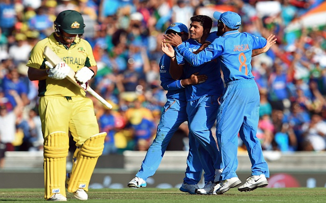 (Video) Australia v India: Fightback? Glenn Maxwell & Aaron Finch sent back to the pavilion in quick succession!