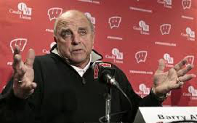 (Tweets) Twitter makes jokes about Wisconsin athletic director Barry Alvarez, who announced he won't fire hockey coach