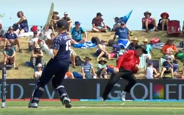 (Video) Skill! Umpire pulls off Matrix-style move to avoid disaster during Bangladesh v Scotland Cricket World Cup clash