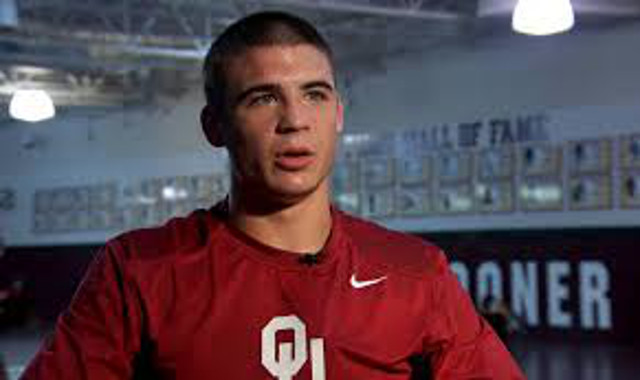 Oklahoma wrestler Cody Brewer upsets Minnesota's undefeated Chris Dardanes