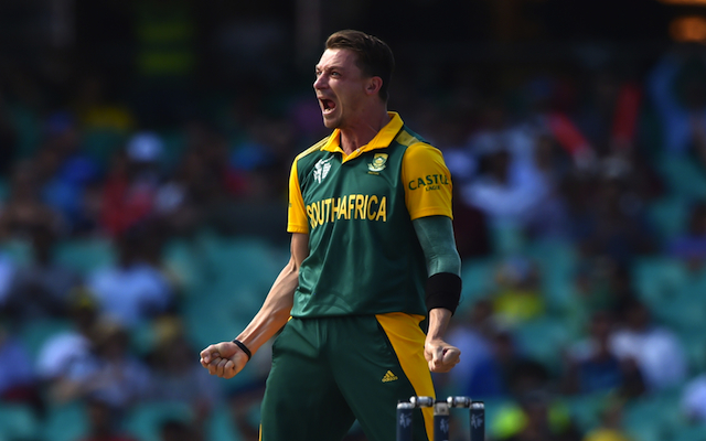 (Video) He's possessed! South Africa bowler Dale Steyn goes NUTS after claiming World Cup wicket against Sri Lanka