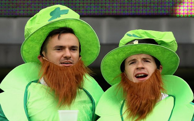 (Image) Cricket World Cup 2015 – Brilliant! Ireland fan trolls England during India clash
