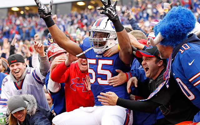 Buffalo Bills re-sign pass rusher Jerry Hughes for mega 5-year $45m deal