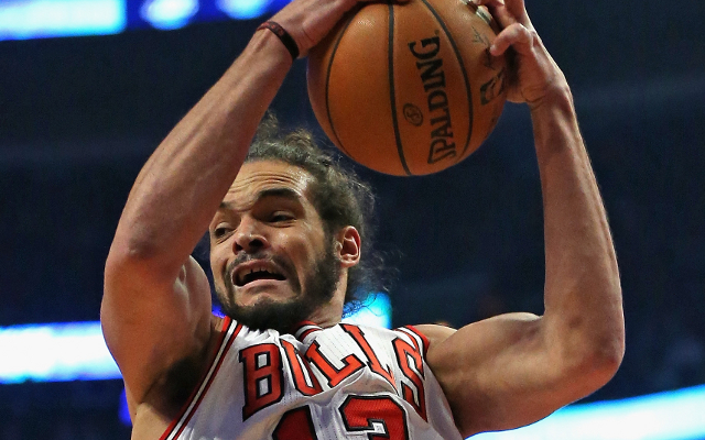 Report: Derrick Rose and Joakim Noah will have minutes limits lifted in playoffs