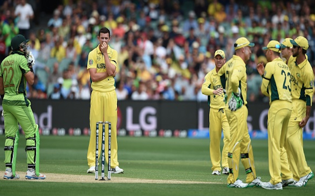 (Video) Cricket World Cup: Pakistan captain Misbah-ul-Haq survives as bails land back on stumps against Australia!