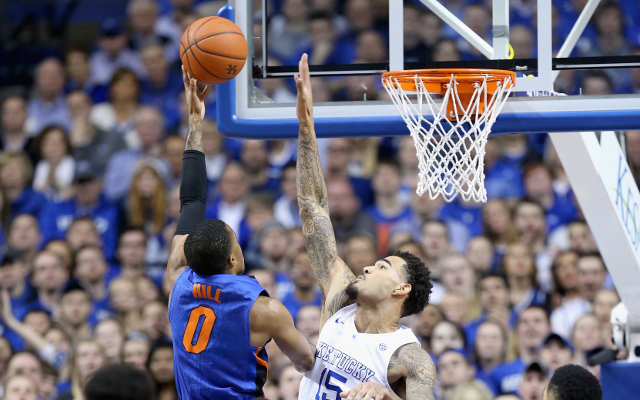 #1 Kentucky finishes their regular season undefeated with 67-50 win over Florida