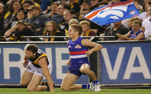 AFL investigating suspicious betting by Western Bulldogs youngster