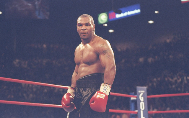 (Video) Boxing news: Mike Tyson helps Jamie Foxx select best KOs ahead of biopic