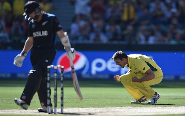 (Video) Australia v New Zealand: Black Caps in early trouble as Martin Guptill & Kane Williamson fall quickly