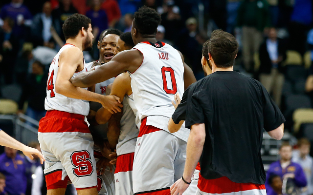 (Video) March Madness 2015: CHOKE! NC State makes buzzer-beating shot to stun LSU