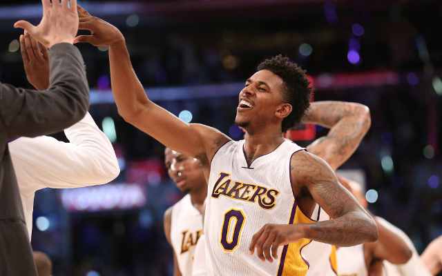 (Video) Los Angeles Lakers star Nick Young proposes to Iggy Azalea