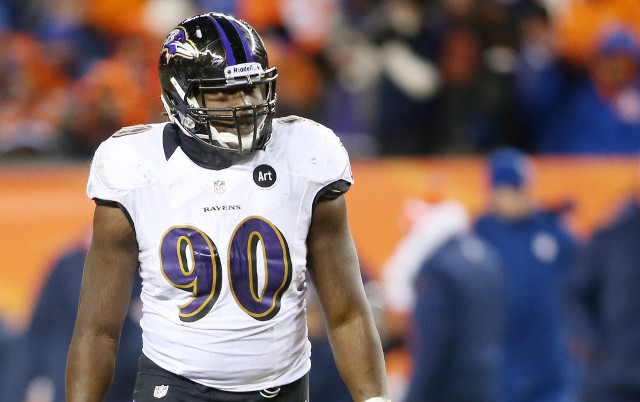 Chicago Bears to sign pass rusher Pernell McPhee for $40 million
