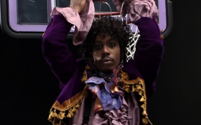 (Images and Videos) Prince played basketball – and not just on Dave Chappelle's show!