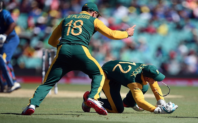 (Video) What a catch! South Africa wicketkeeper Quinton de Kock pulls out a stunner against Sri Lanka!