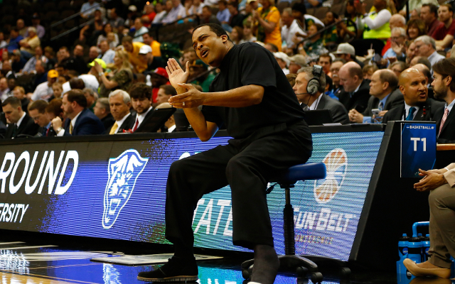 (Video) NCAA March Madness 2015: Georgia State coach Ron Hunter falls off his stool celebrating!