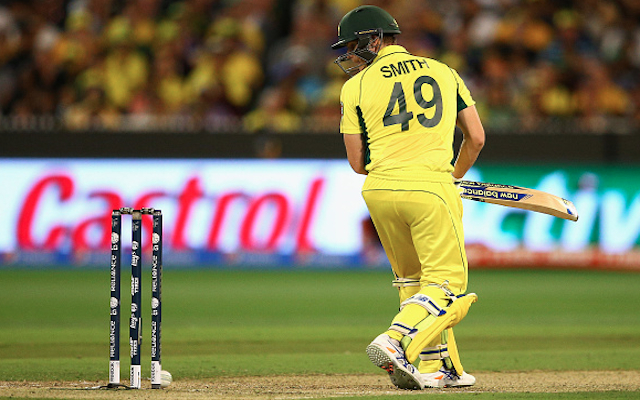 (Video) Australia v New Zealand: Steve Smith survives after ball hits stumps in Cricket World Cup Final