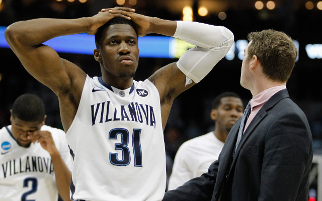 (Video) Poor girl! Villanova flute player cries while playing away after upset loss