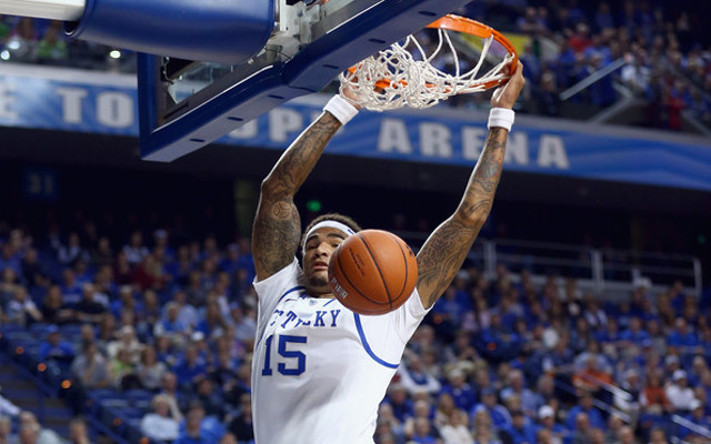 No. 1 Kentucky stays undefeated with 91-67 rout of Auburn for 33rd win