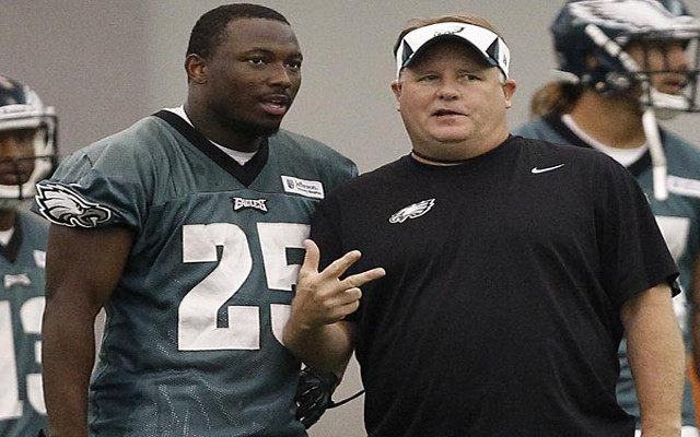 BLOCKBUSTER TRADE! Philadelphia Eagles trade RB LeSean McCoy to Buffalo Bills for LB Kiko Alonso