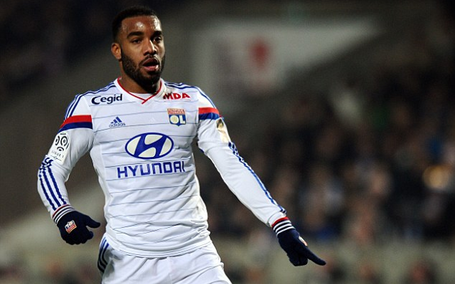 Man United quoted bargain price for Lyon's Alexandre Lacazette