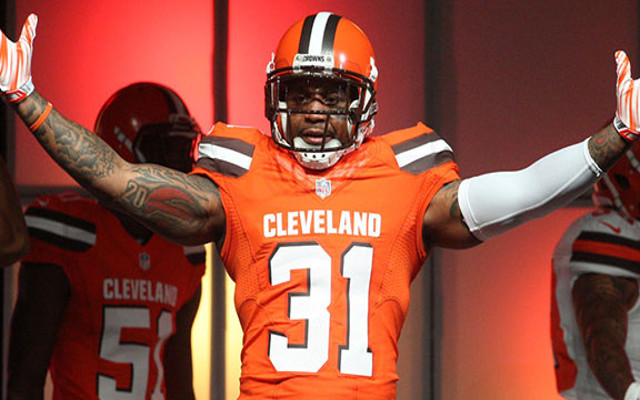 (Images) Cleveland Browns unveil new uniforms