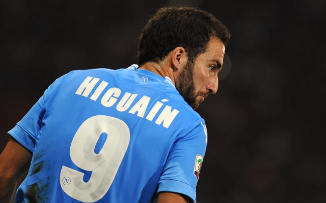Arsenal & Chelsea beaten to the punch as 'Man United sign Gonzalo Higuain'