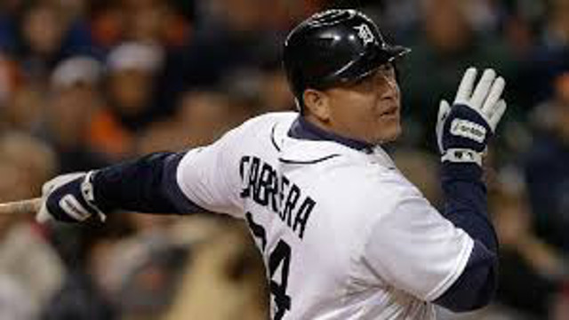 (Video) Detroit Tigers two-time MVP Miguel Cabrera slugs 400th career home run