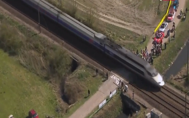 (Video) Paris-Roubaix: Riders almost hit by high-speed train in near-disaster