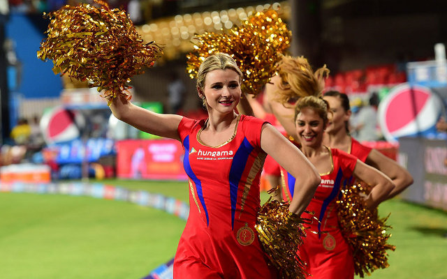 Video: Indian Premier League babes – Shane Warne says RCB girls are best cheerleaders in IPL 8