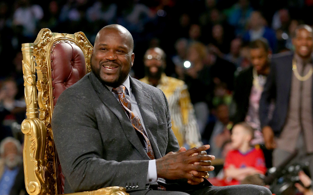 (Video) NBA news: Shaquille O'Neal falls on the floor hard during TNT show