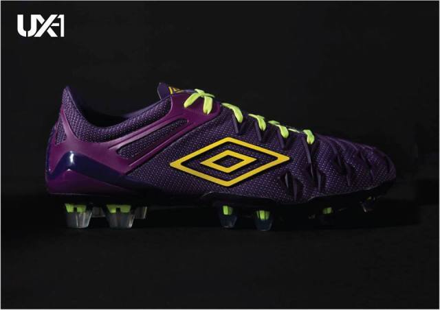 Umbro-UX1-Football-Boot-1