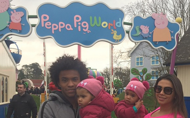 Chelsea star Willian pays visit to Peppa Pig World with family