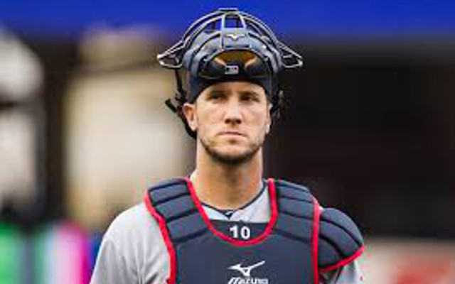Cleveland Indians catcher Yan Gomes out 6-8 weeks with knee injury