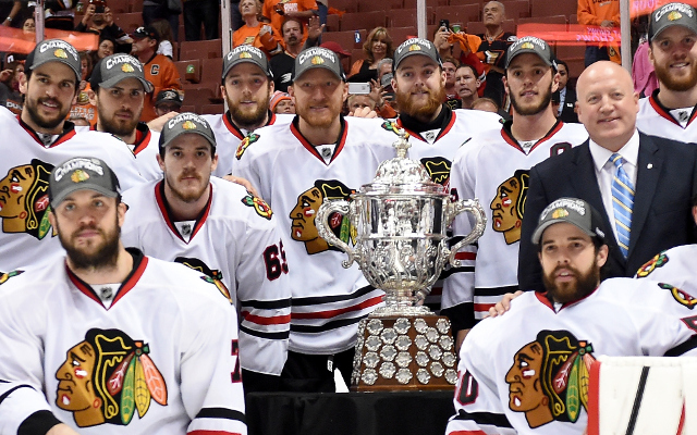 NHL Playoffs 2015: Chicago Blackhawks stun Anaheim Ducks in Game 7, 5-3, to advance to Stanley Cup Finals