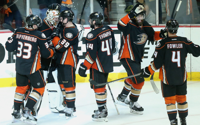 (Video) NHL Playoffs 2015: Anaheim Ducks deny Chicago Blackhawks rally to win in overtime and take 3-2 series lead
