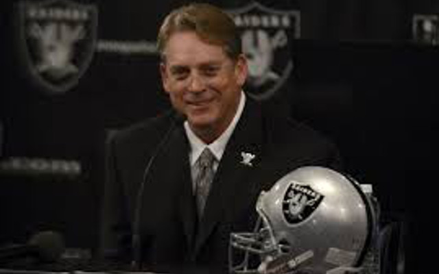 Oakland Raiders HC Jack Del Rio reacts to Patriots' DeflateGate punishment