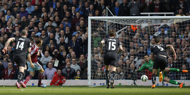 (Video) West Ham United 1-0 Burnley highlights: Mark Noble scores on Burnley's costly red card penalty