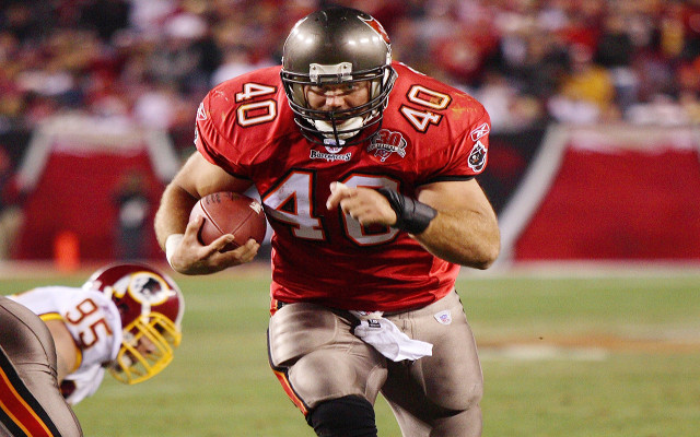 Tampa Bay Buccaneers adding power back Mike Alstott, QB Doug Williams to Ring of Honor