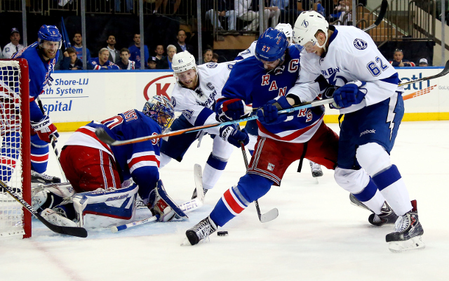 NHL Playoffs 2015: New York Rangers defeat Tampa Bay Lightning, 2-1, in Eastern Conference Finals opener