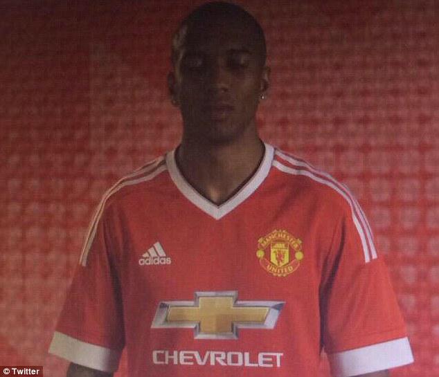 Image: Manchester United new kit revealed?