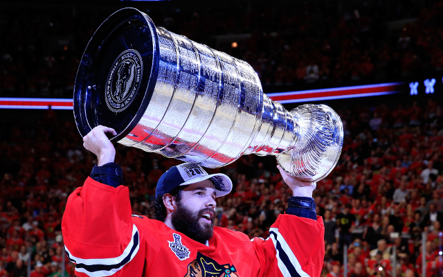 (Video) Stanley Cup Finals 2015: Chicago Blackhawks win championship with 2-0 Game 6 win