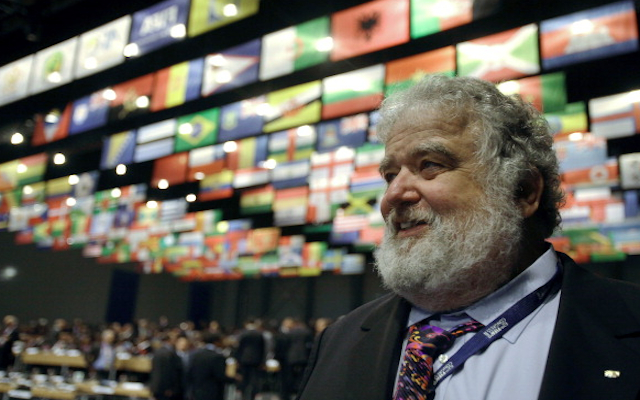 FIFA scandal: Chuck Blazer admits to taking bribes over selections of 1998, 2010 World Cups