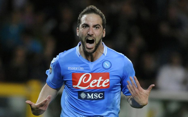 Gonzalo Higuain continues prolific form to fire Napoli top of Serie A (video)