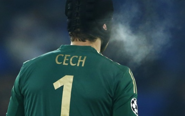 Petr Cech Arsenal squad number: Chelsea legend PUSHES current Gunners star OUT of top jersey