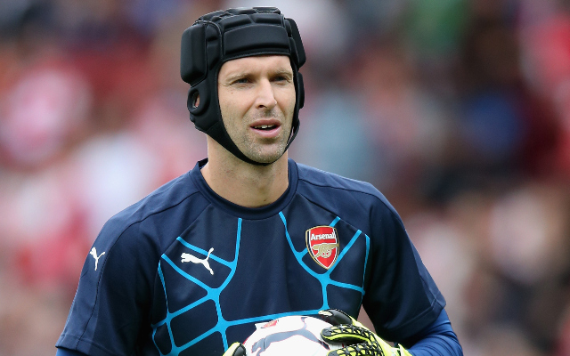 Petr Cech responds on Twitter to AWFUL Arsenal debut