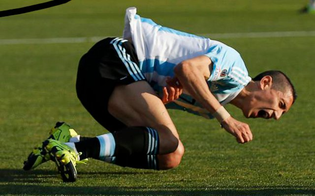 Man United star Angel Di Maria in INJURY SCARE after suffering hamstring problem
