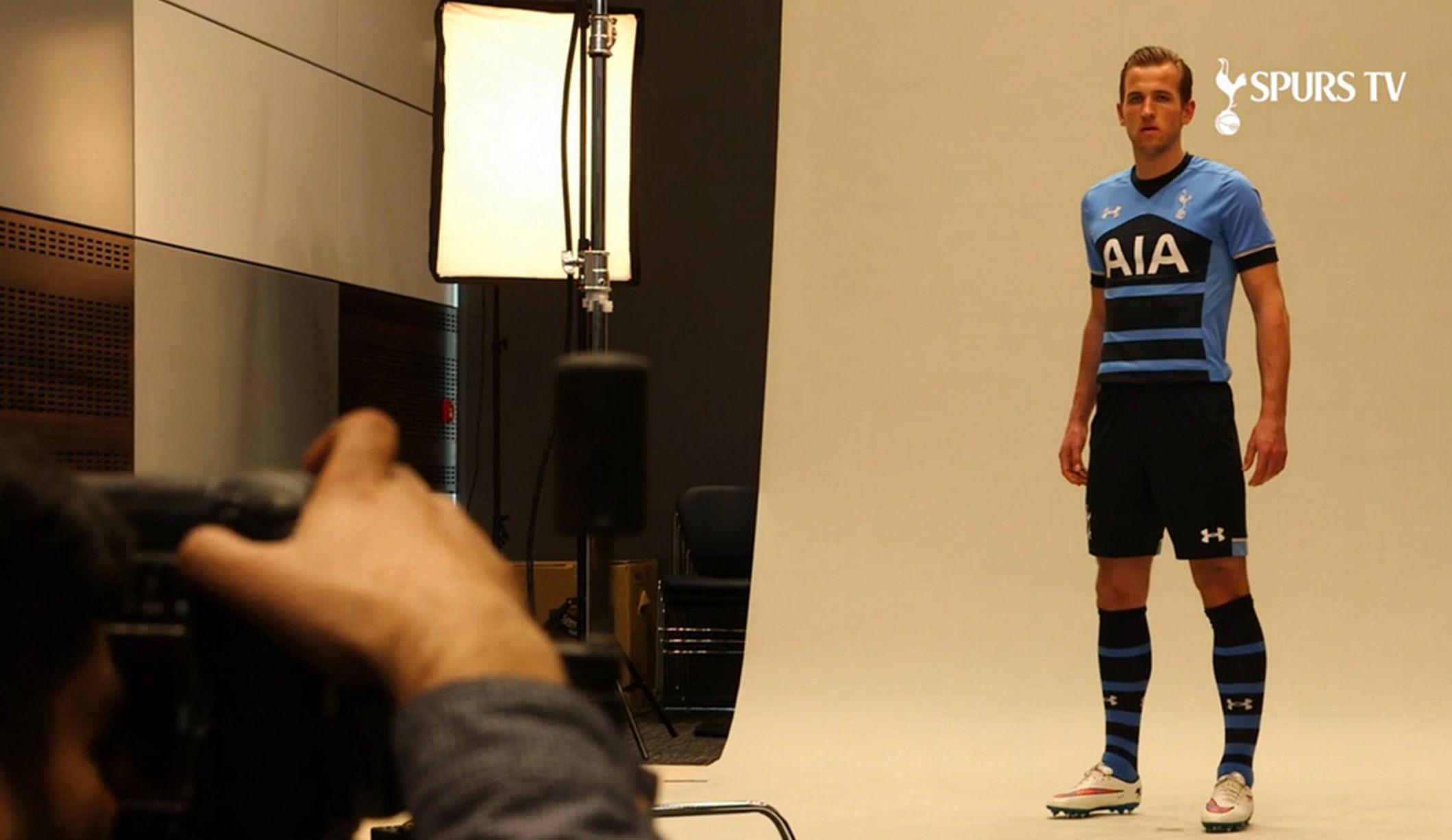 Harry Kane - Spurs away kit