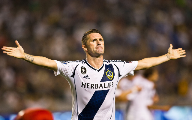 Robbie Keane responds to Roy Keane: Brave LA Galaxy star jokes about Ireland assistant (video)